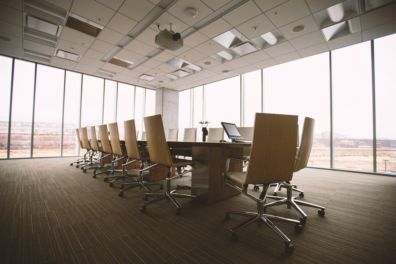 Sådan indretter du nogle gode mødelokaler på din virksomhed